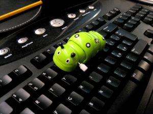 674262_bug_pc_virus