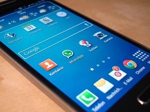 smartphone-325484_640